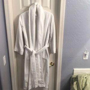 Max Studio terry cloth bath robe